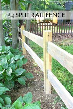 DIY split rail fence using Simpson Strong-Tie fence brackets. DIY split rail f Farm Fence, Diy Fence, Fence Landscaping, Backyard Fences, Fence Gate, Garden Fencing, Front Yard Fence Ideas, Post And Rail Fence, Split Rail Fence