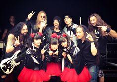 Amazing session with #BABYMETAL @BABYMETAL_JAPAN and #DragonForce @DragonForce at #DownloadFestival @DownloadFest !