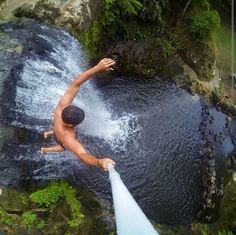 33 Gravity-Defying Selfies That Will Make Your Stomach Drop