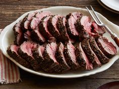 Pioneer woman Peppercorn Roasted Beef Tenderloin Recipe from Food Network Roast Recipes, Sauce Recipes, Cooking Recipes, Roasted Beef Tenderloin Recipes, Tofu Recipes, Whole Beef Tenderloin, Beef Tenderloin Pioneer Woman, Herb Butter, Vegan Butter
