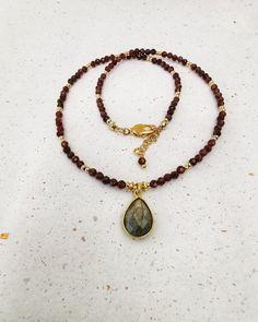 Garnet and Labradorite Gemstone Necklace. FREE SHIPPING Garnet Necklace, Gemstone Necklace, Green Onyx, Labradorite, Jewelery, Plating, Beaded Bracelets, Perfume, Gemstones