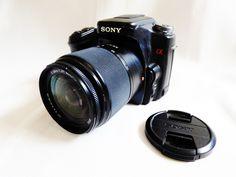 Sony Alpha DSLR-A100 10.2 MP Digital SLR Camera Black DT 18-70mm Macro lens