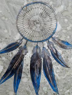 painting blue dreamcatcher.
