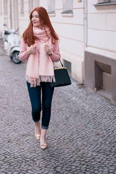 Feminine everyday style with Club Monaco