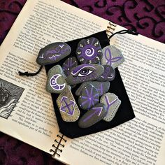 Printing Ideas Useful Printing Sculpture Irises Referral: 9838777013 Witch Shop, Wiccan Crafts, Eclectic Witch, Witch Spell, Witch Decor, Modern Witch, Witch Aesthetic, Rock Crafts, Magic Crafts
