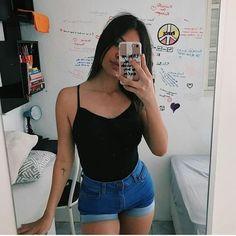 Vocês estão fazendo algum curso no momento? 🍃   #tumblr #fotos Date Outfits, Trendy Outfits, Fashion Outfits, Womens Fashion, Foto Casual, Simple Girl, Photos Tumblr, Girl Inspiration, Tumblr Girls