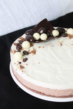 Pienet herkkusuut: Syntisen hyvä Suklaajuustokakku (liivatteeton) Dessert Recipes, Desserts, Vanilla Cake, Sweet Tooth, Cheesecake, Pudding, Baking, Party, Food
