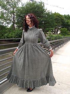 Vintage Laura Ashley Modest Dresses, Modest Outfits, Modest Fashion, Skirt Fashion, Pretty Dresses, Fashion Outfits, Modest Clothing, Historical Clothing, Laura Ashley Skirts