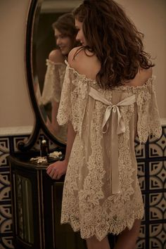 Lace wedding dress. Disregard the future husband, for the moment lets concentrate on the bride who thinks about the wedding ceremony as the greatest day of her lifetime. With this simple fact, then it is definite that the wedding garment needs to be the best.