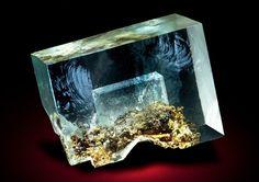 Fluorite phantom from Dal'negorsk, Primorskiy Kray, Far-Eastern Region, Russia  Photo: Rudolf Watzl