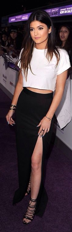 My favorite go to cropped top..!!! Kylie Jenner | Street Style