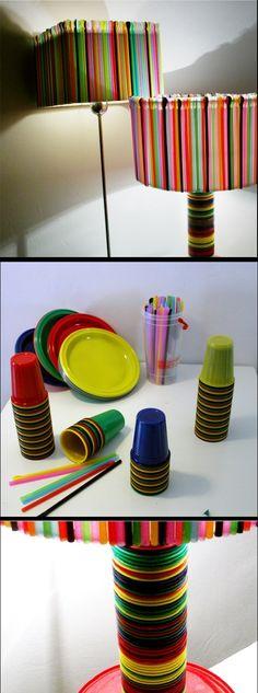#Lampara multicolor hecha con #vasos y revolvedores.