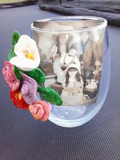 Base de flores adornada con flores de Pasta de sal