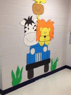 Safari-Giraffe, Zebra and Lion in a Jeep Jungle Decorations, School Decorations, School Themes, Safari Crafts, Vbs Crafts, Jungle Theme Classroom, Classroom Themes, Safari Party, Safari Theme