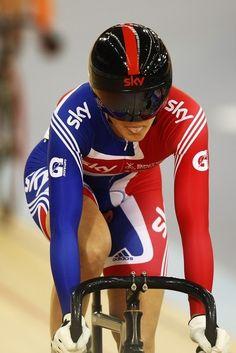 Track Cycling, Cycling Girls, Cycling Wear, Victoria Pendleton, Retro Bike, Fixed Gear Bike, Bicycle Girl, Sport Photography, Sport Girl