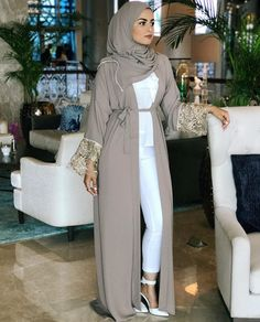 Saudi Abaya fashion www.justtrendygir… Saudi Abaya fashion www. Muslim Women Fashion, Modern Hijab Fashion, Hijab Fashion Inspiration, Arab Fashion, Islamic Fashion, Modest Fashion, Fashion Outfits, Ideas Hijab, Moda Hijab