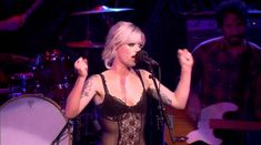 """Gin Wigmore """"Don't Stop"""" Live"""
