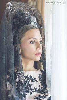 Spanish Fashion, Spanish Style, Headdress, Headpiece, Mediterranean People, Wearing A Tuxedo, Flamenco Costume, Spanish Wedding, Sister Wedding