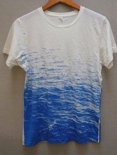 FLUX, PERFECT SURF TEE: indebted (perhaps in several senses) to melissa de la fuente for this.