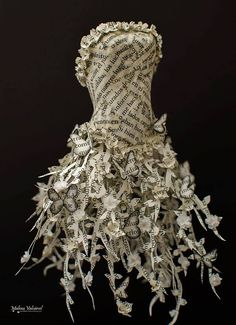 Fairytale Paper Dress Paper Sculpture by MalenaValcarcel on Etsy Paper Fashion, Fashion Art, Paper Clothes, Paper Dresses, Barbie Clothes, Recycled Dress, Recycled Clothing, Newspaper Dress, Book Sculpture