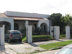 Frente de casa de piedra fachadas pinterest for Decorar entrada chalet