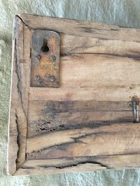 Railway houten kapstok oud hout stoer landelijk plank grof nerf 100 cm 1 meter wandhaken wandkapstok industrieel   Haken   't Jagershuis Plank, Om, Planks
