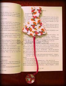 Tem mais post hoje! hehehehe Bom, ando viciada em marcadores de livros. Já fiz um, mas estou sempre querendo fazer novos modelos de tudo....