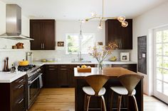 Dark Lower Cabinets With White Upper Cabinets Design Ideas, Pictures, Remodel, and Decor - page 36