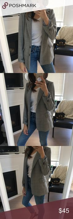 Chic Tweed Coat Jacket Size XS Really on trend plaid jacket that fits like a dream. I have a similar one that I like more and I'm trying to keep a minimal closet so my loss is your gain! So so cute. Light padding in shoulders to give you structure. Jackets & Coats