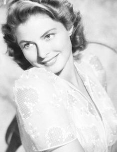 Ingrid Bergman - August 1915 - great beauty who didn't simply rely on her looks. Truly talented and unafraid to live her life on her terms, damn the consequences. Golden Age Of Hollywood, Hollywood Glamour, Hollywood Stars, Hollywood Actresses, Classic Hollywood, Old Hollywood, Actors & Actresses, Hollywood Icons, Swedish Actresses