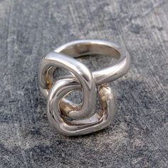 This ring is so different yet subtle. I want one.