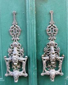 Lisbon door details ~ would make beautiful earrings :o)
