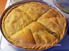 Κολοκυθόπιτα καλοκαιρινή - από «Τα φαγητά της γιαγιάς» Greek Desserts, Greek Recipes, Cookie Dough Pie, Recipe Boards, Middle Eastern Recipes, Cooking Time, Apple Pie, Food To Make, Bakery