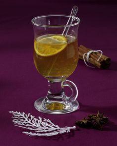 Unser beliebtes Rezept für Weißer Orangen-Glühwein und mehr als 55.000 weitere kostenlose Rezepte auf LECKER.de.