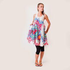 Robe de plage Edvina. Collection  Grandestailles. Très fraîche, on aime sa  jolie forme trapèze et son imprimé  ethnique esprit