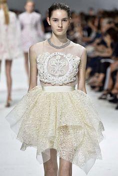 Giambattista Valli, Haute Couture Fall 2016, Paris, firstVIEW.com