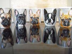 Handbeschilderde mok met portret van je  eigen door MorePaintthings Hand Painted Mugs, Porcelain Mugs, Dog Portraits, Chihuahua, French Bulldog, Dog Lovers, Pets, Bulldogs, Vintage