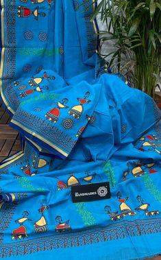 Saree Painting Designs, Fabric Paint Designs, Fabric Design, Fabric Painting On Clothes, Painted Clothes, Fabric Art, Madhubani Art, Madhubani Painting, Mandala Painting