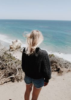 Calm down. Wearing Isabel Marant knit & Levis 501 shorts. Via Mija