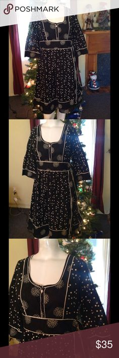 "Anthro Viola Black Peasant Style Dress 6 Very pretty Viola dress. Black and off white pattern in a peasant style. Has a side zipper. Made of 100% cotton in India. Just beautiful! Bust 38"" Waist 29"" Length 37"" Anthropologie Dresses"