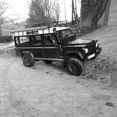 Ausflug  #landrover #landy #defender #Td5#Offroad #mud #bfg #dotzdakar #lovethisshit #lights #LED #landroverdefender by defender_daniel Ausflug  #landrover #landy #defender #Td5#Offroad #mud #bfg #dotzdakar #lovethisshit #lights #LED #landroverdefender
