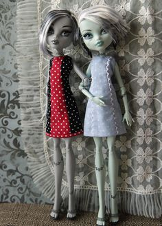 EVER AFTER HIGH DOLL CLOTHING FIRST 1ST CHAPTER CERISE HOOD GRAY LEGGINGS PANTS