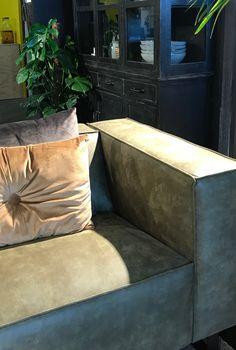 Such a rich feel! ❤️❤️ #sofa #furniture #interior #intetiorlover