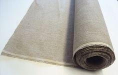 How to select and prime supports. For paintings with finer details, Ian recommends a tighter weave found on rolls such as this Claessens unprimed Belgian linen No 12. Read more....... http://www.artistsandillustrators.co.uk/how-to/Unknown/753/how-to-select-and-prime-supports