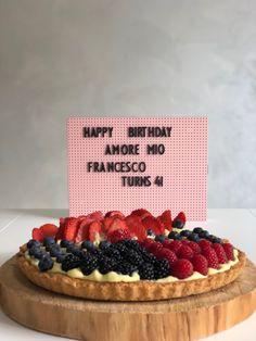 crostata crema e frutta - unione perfetta: frolla e crema! - LADdicted Biscotti, Happy Birthday, Pie, Desserts, Food, Cream, Happy Brithday, Torte, Tailgate Desserts