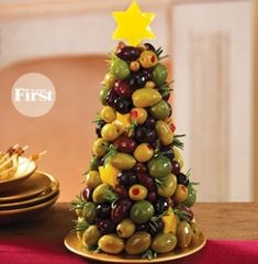 Perfect addition for appetizers for your Christmas gathering or party! Looking for an olive appetizer recipe to serve at your next get-together? Showcase your crafty culinary side with this no-cook olive appetizer. Christmas Buffet, Christmas Party Food, Xmas Food, Christmas Cooking, Christmas Dinners, Christmas Apps, Christmas Mix, Christmas Lights, Christmas Holidays