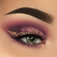 With black eyeliner instead of gold. #goldeyemakeup