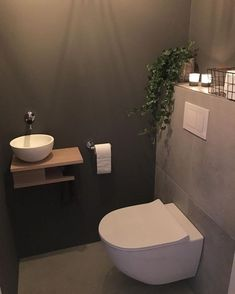 🌿 Nieuwe plant 🌿 Vind het de wc zo leuk aankleden 🤗 🌿 New plant 🌿 Like dressing the toilet so much 🤗 bowl # built-in faucet Small Downstairs Toilet, Small Toilet Room, Guest Toilet, New Toilet, Downstairs Bathroom, Small Bathroom, Rustic Bathroom Decor, Bathroom Styling, Bad Inspiration