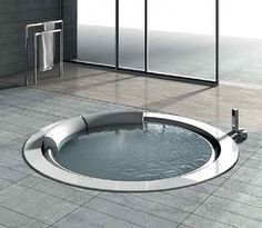 Round Whirlpool Bathtub
