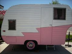 Pink and Polka Dot: Camping + Glamourous = Glamping Retro Trailers, Classic Trailers, Vintage Travel Trailers, Vintage Campers, Pink Trailer, Shasta Trailer, Glamping, Bungalow, Vintage Housewife
